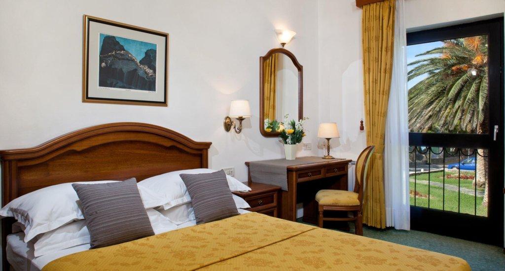 Отель Bluesun Hotel Kastelet, Тучепи, Хорватия