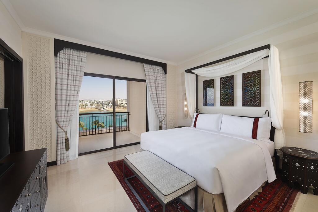 Отель Al Manara Luxury Collection Saraya Aqaba, Акаба, Иордания