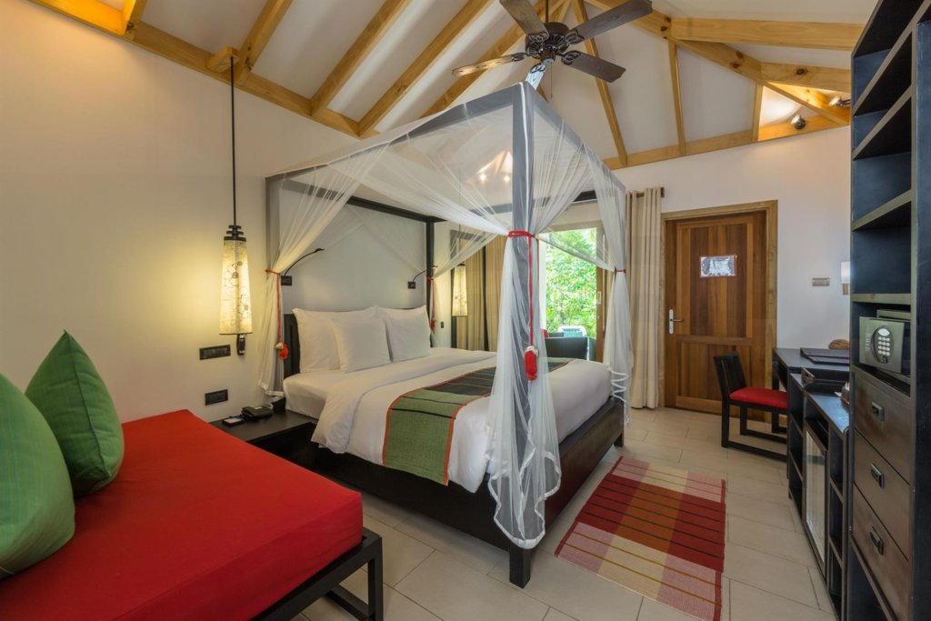 Отель Vilamendhoo Island Resort, Мальдивы