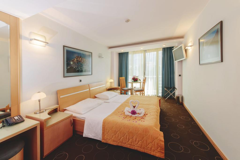 Отель Montenegro Beach Resort, Бечичи, Черногория
