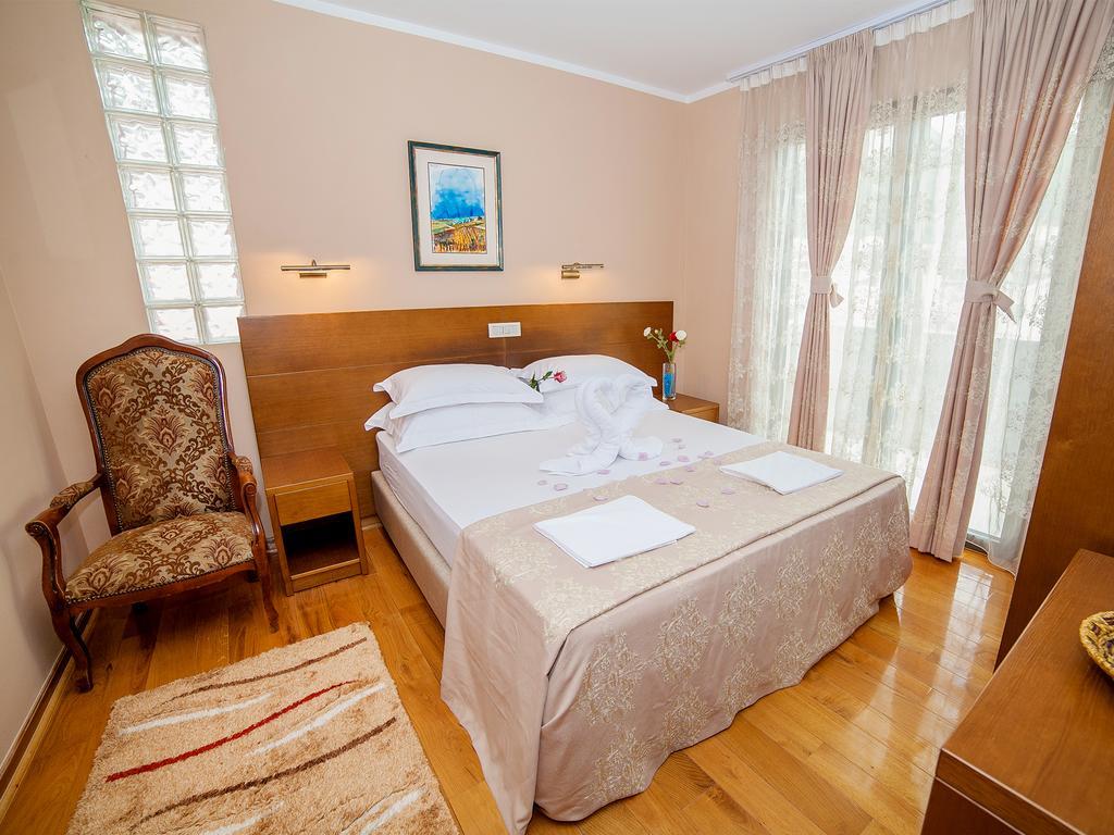 Отель Petrovac Hotel, Петровац, Черногория