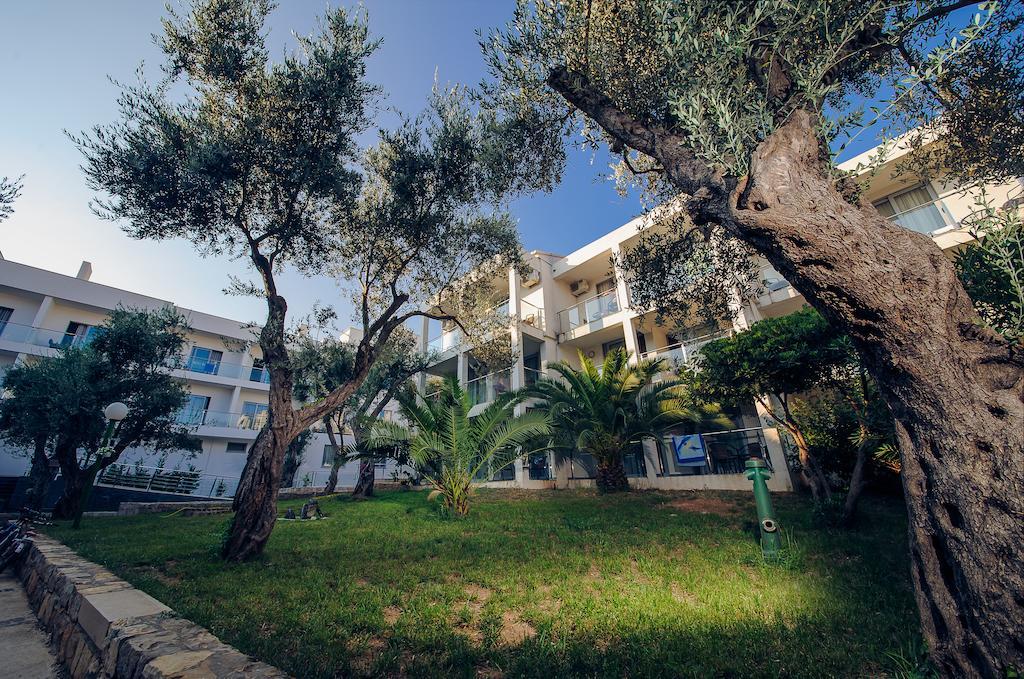 Отель Vile Oliva Hotel, Петровац, Черногория
