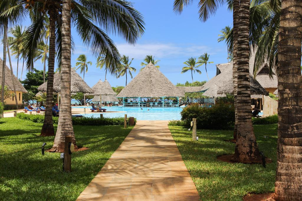 Отель Neptune Pwani Beach Resort & Spa, Занзибар, Танзания