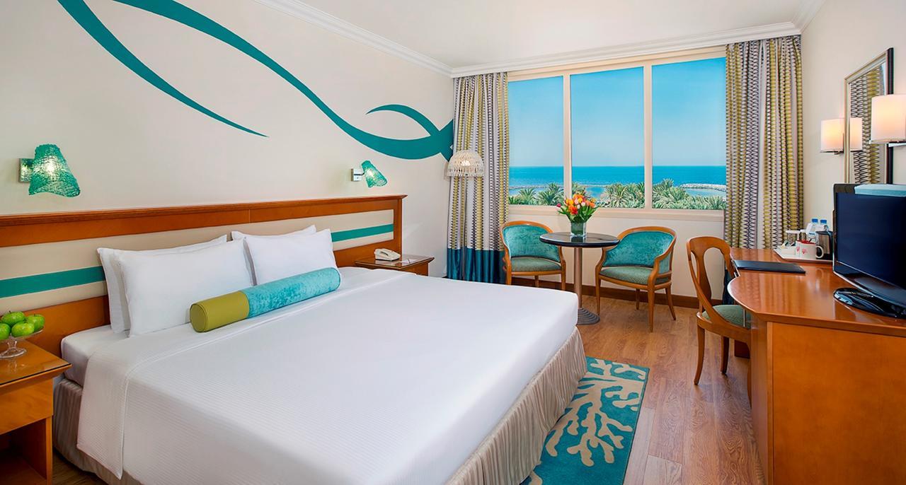 Отель Coral Beach Resort, Шарджа, ОАЭ