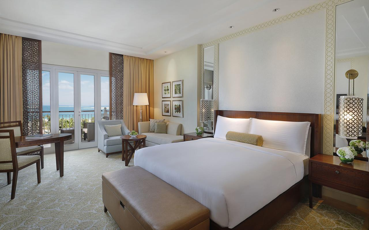 Отель The Ritz Carlton Dubai, Дубай, ОАЭ