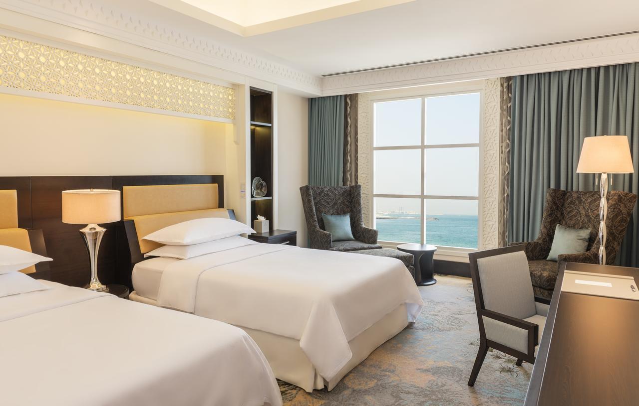 Отель Sheraton Sharjah Beach Resort & Spa, Шарджа, ОАЭ